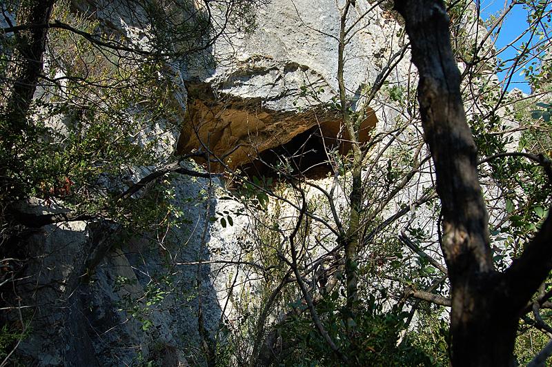 LA PENNE sur Ouvèze La grotte du Tunel 001